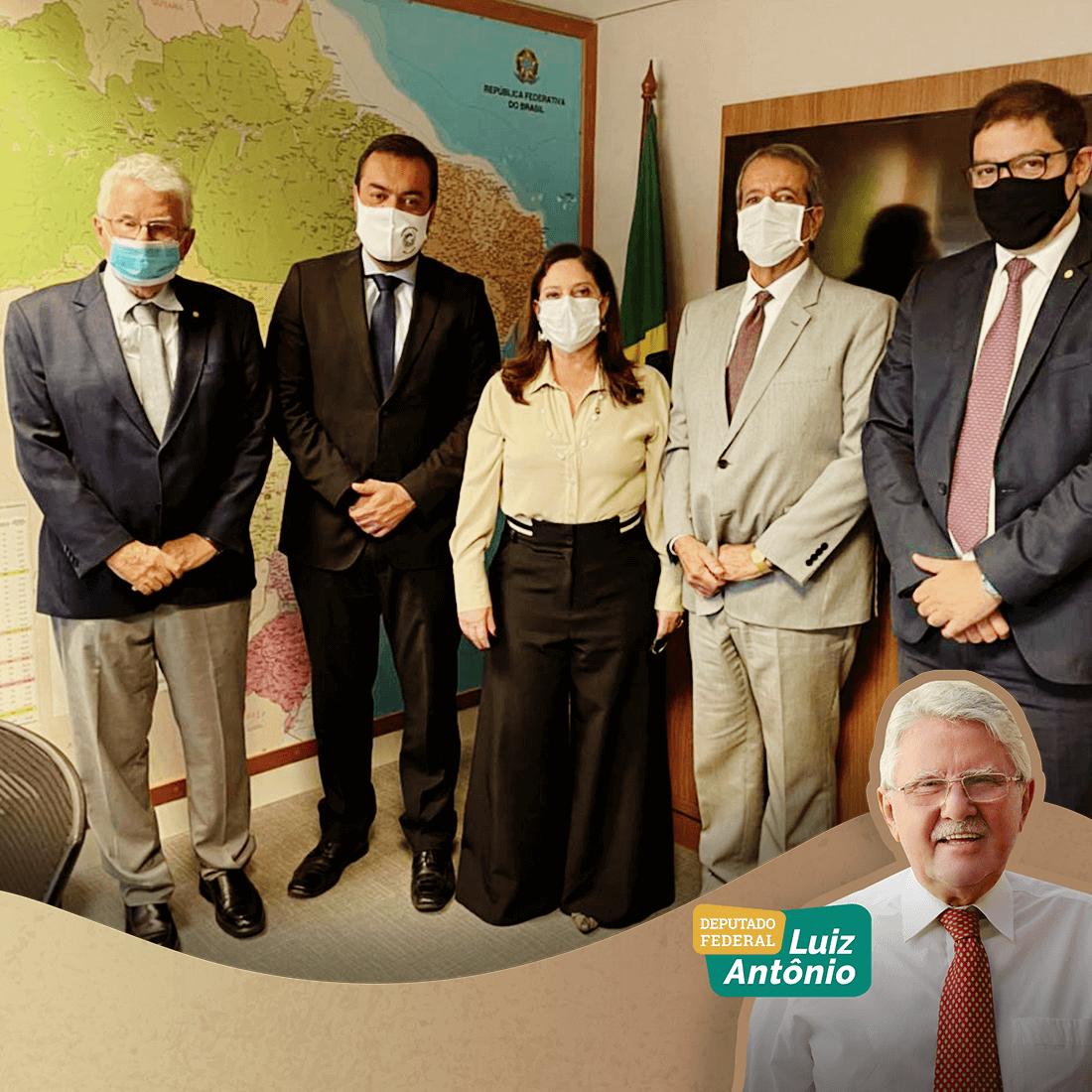 Ao lado do governador do Rio, Claudio Castro, o parlamentar discutiu os caminhos do partido no estado